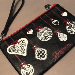 ❤️Adorable Brighton wristlet ❤️
